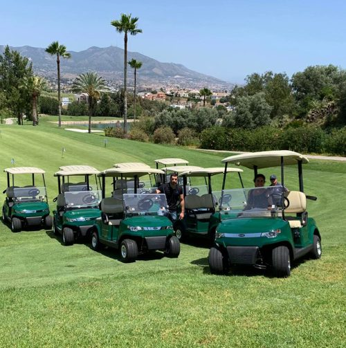 El campo de golf Cerrado del Águila, en Mijas, renueva su flota de vehículos con diez nuevos coches eléctricos de Internaco