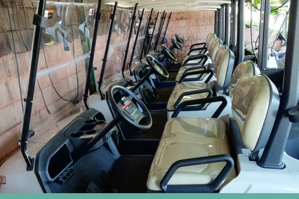 El Grupo Internaco entregó 10 unidades del coche eléctrico STAR EV modelo Capella al Club de Golf Ría de Vigo