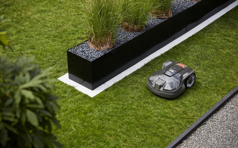 Husqvarna innove pour proposer des prestations professionnelles adaptées aux jardins les plus petits et complexes